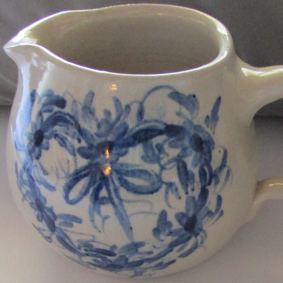 Casey Pottery Other - CASEY POTTERY Hand Painted  Heart Design creamer